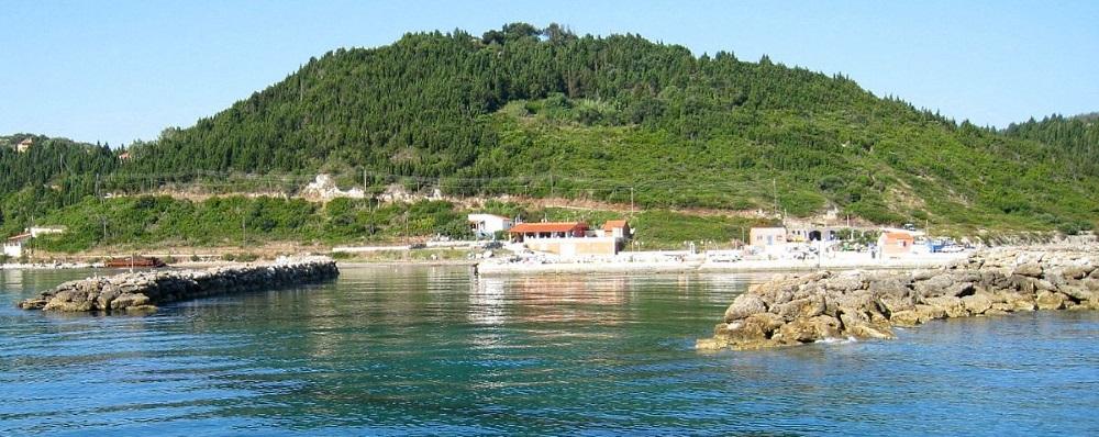 Το λιμανάκι στο Μαθράκι που δεν λειτουργεί - Διαπόντια νησιά
