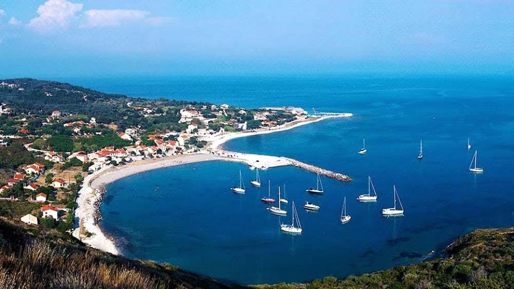 το λιμάνι των Οθωνών - Διαπόντια νησιά