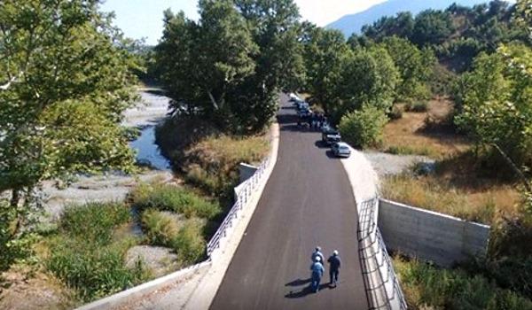 Εγκαίνια για τον νέο δρόμο στη περιοχή «Καραβίδα» του Δήμου Δεσκάτης