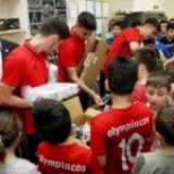 Κοινωνική δράση από τον Ολυμπιακό Σ.Φ.Π σε Δημοτικά σχολεία του Δήμου Πειραιά