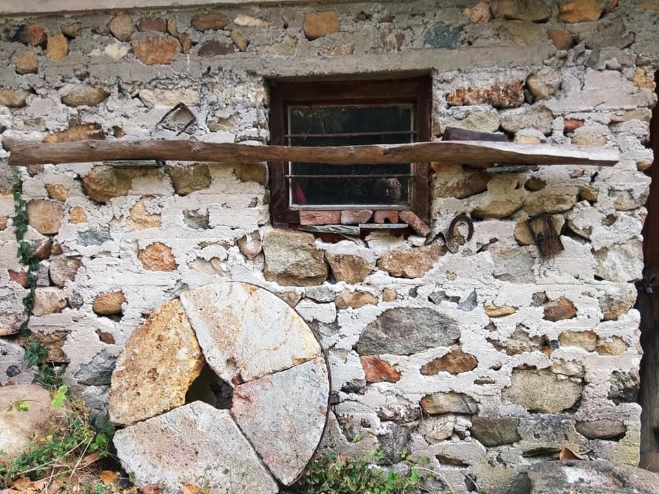 Ο παλαιός νερόμυλος στο Αχλαδοχώρι