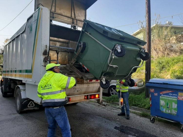 Μέτρα προστασίας στους κάδους απορριμάτων από τον Δήμο Θηβαίων όπως το συχνό πλύσιμο των κάδων