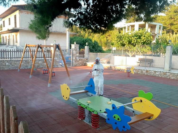 10 νέες παιδικές χαρές στο Δήμο Παλλήνης - Απολύμανση πριν την διάθεση για χρήση