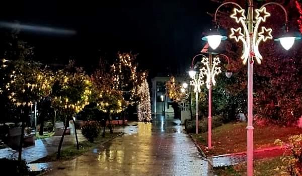 Χριστουγεννιάτικο Φως στο Δήμο Πετρούπολης