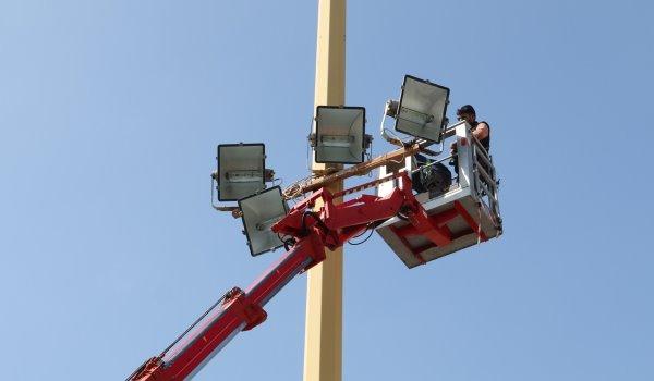 Νέος ηλεκτροφωτισμός στο Γήπεδο ποδοσφαίρου του Δήμου Περάματος