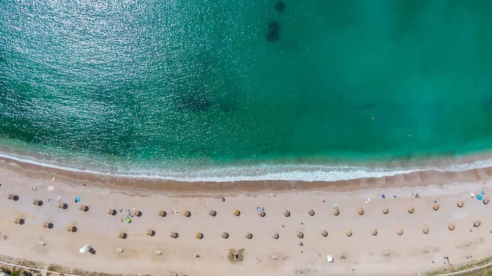 Παραλία Γλυφάδας Ωραιότερη από πότε και έτοιμη για το καλοκαίρι (ΦΩΤΟ)