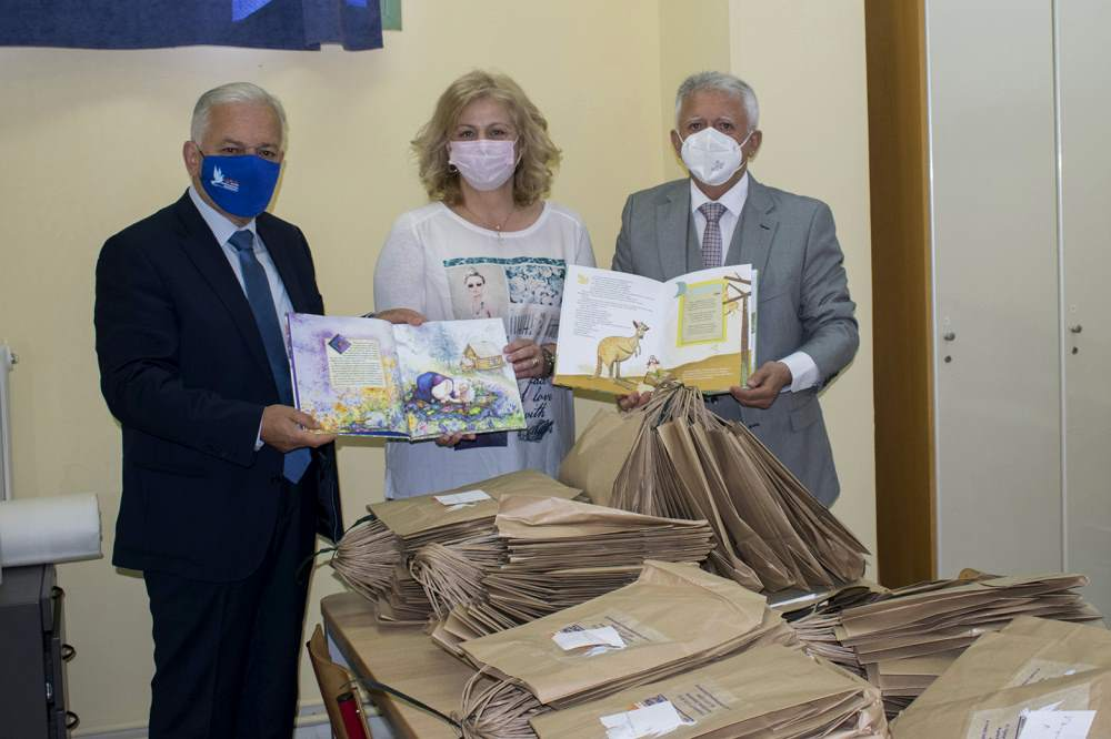 2.900 βιβλία στα Δημοτικά σχολεία του Δήμου Αμπελοκήπων-Μενεμένης Δήμαρχος