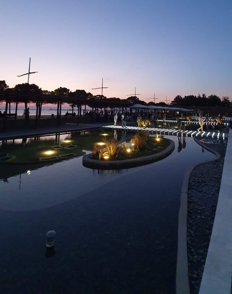 Κήπος του Νερού Ολοκληρώθηκαν οι εργασίες ανακαίνισης από τον Δήμο Θεσσαλονίκης Νύχτα