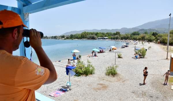 Ναυαγοσώστες για ασφαλή κολύμβηση στον Δήμο Πάτρας